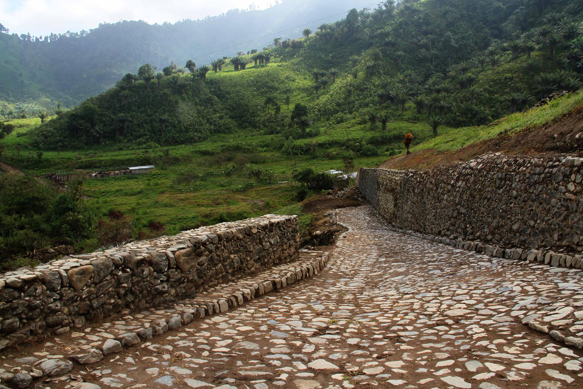 Ruinas Malqui Machay